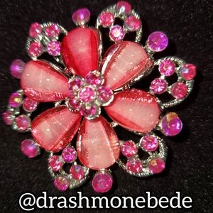 🛍NWT: Vintage Brooch (Light & Dark Pink Flower)